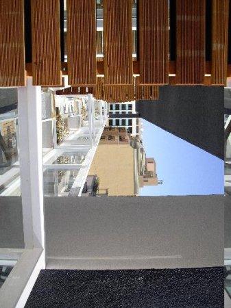 The George Hotel : balcony