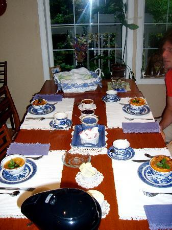 Seafarer's Bed and Breakfast: Breakfast table