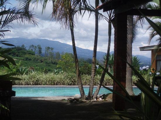 Hotel Paraiso Rio Verde: Area de piscina