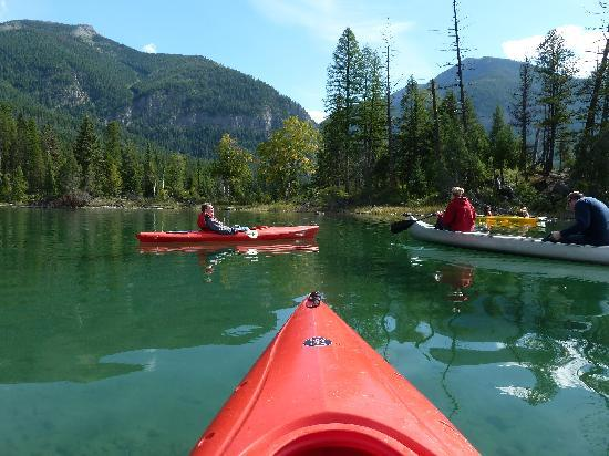 Holland Lake Lodge: Kayaks provided by the lodge