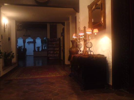 Hotel El Cid: Lobby Area