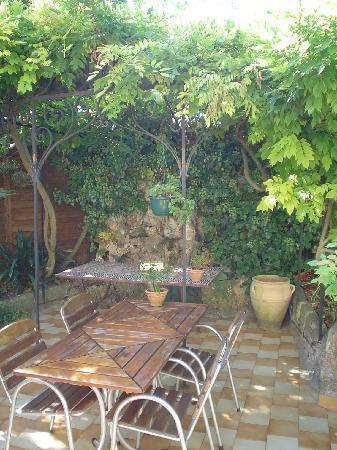 Hotel Villa La Malouine : garden