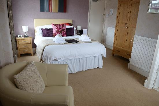 The Cliffbury Guest House: Room 6 - top floor, lovely room