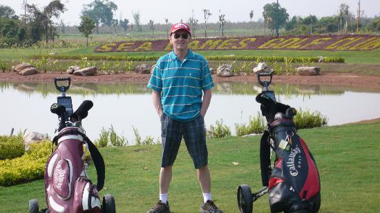 Ban Sufa Garden Resort : golf