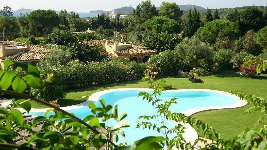 Hotel Mariposas : la piscina vista dal terrazzo della colazione