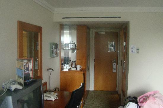 Holiday Inn Norwich: The Room