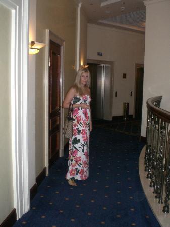 Premier Palace Hotel: hotel corridor