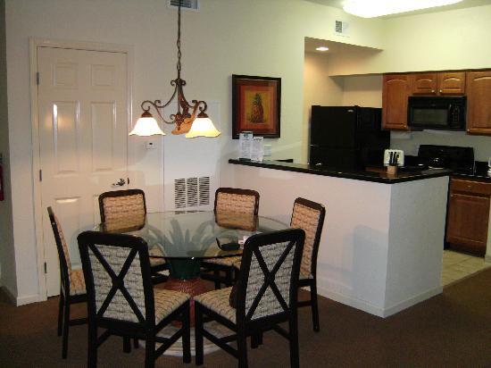 Lake Buena Vista Resort Village U0026 Spa: Eingang, Küche Und Essbereich