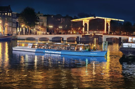 Canal Tours Amsterdam: Evening Cruise by Holland International Canal Cruises