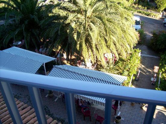 Hotel Maria Stella: il giardino dalla ns camera