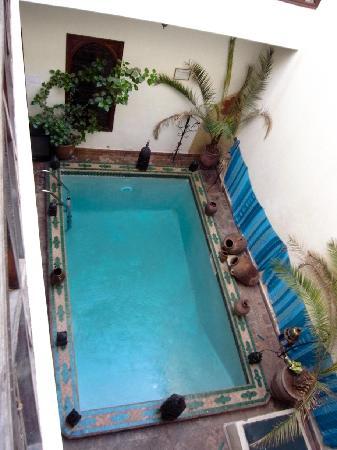 Riad Al Warda: piscina