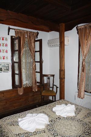 Kirkinca Hotel: Room (Flash)