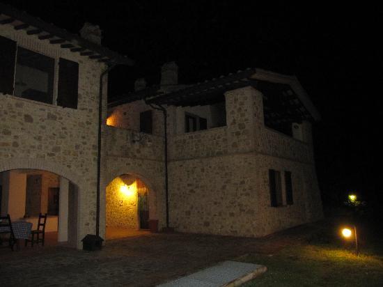 Suite Umbria Bed and Breakfast: la casa di notte