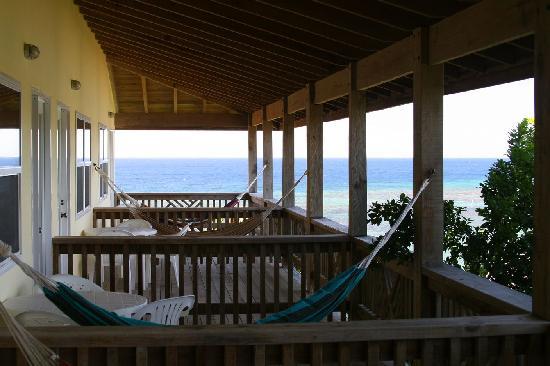 Posada Las Orquideas: Row of hammocks on balconeys