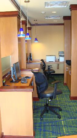 Fairfield Inn & Suites Columbus Polaris: Business Center