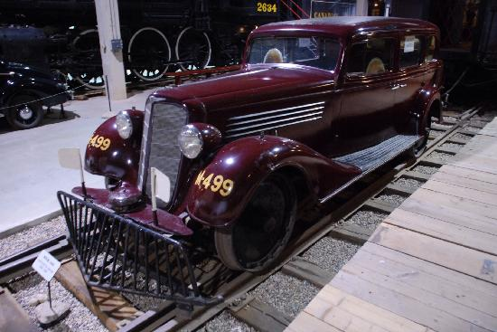 Moose Jaw, Canada: Supervisors car with train wheels