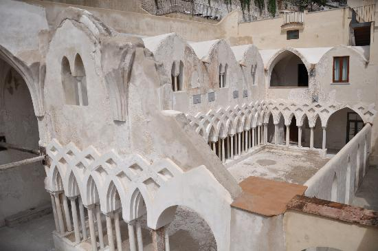NH Collection Grand Hotel Convento di Amalfi : The cloister