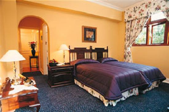 Ridgeview Lodge: Bedroom-twin or kingsize bed
