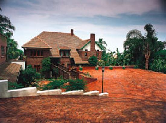 Ridgeview Lodge: Guest House and secure parking