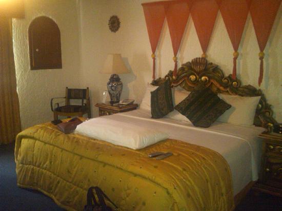 La Mansion del Sol: Picture of My Spacious Bedroom