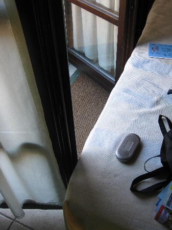 Posada Spa Privilegio De Vara: No room to open the balcony door