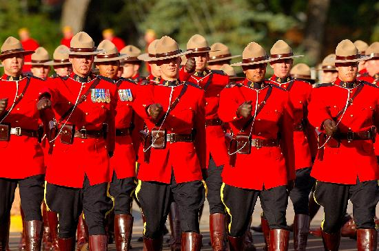 Saskatchewan, Canadá: RCMP Sunset Retreat Ceremonies, Regina