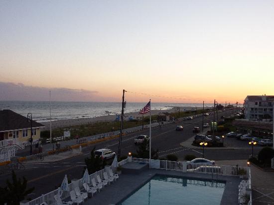 Sandpiper Beach Resort: view from balcony
