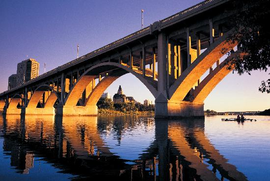 Saskatchewan, Canada: Saskatoon, the city of bridges