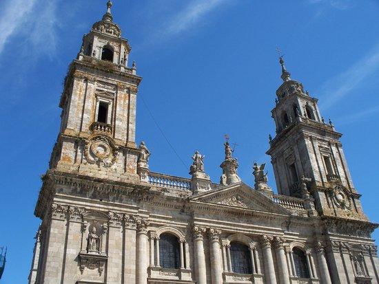 Catedral de Lugo en la entrada de la Muralla