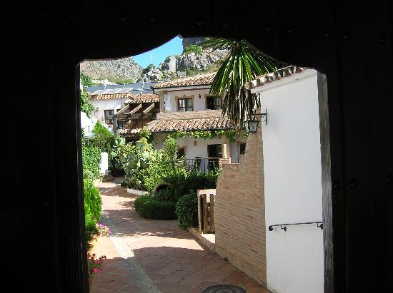 Benaojan, Spain: Entrada al hotel