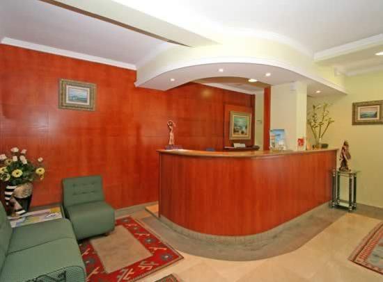 Hotel Cabo Festiñanza: Recepción
