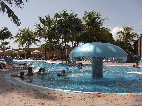 Hesperia Playa El Agua: con lo que te engañan