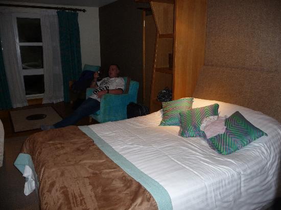 Big Blue Hotel: Shame it wasnt a king size!
