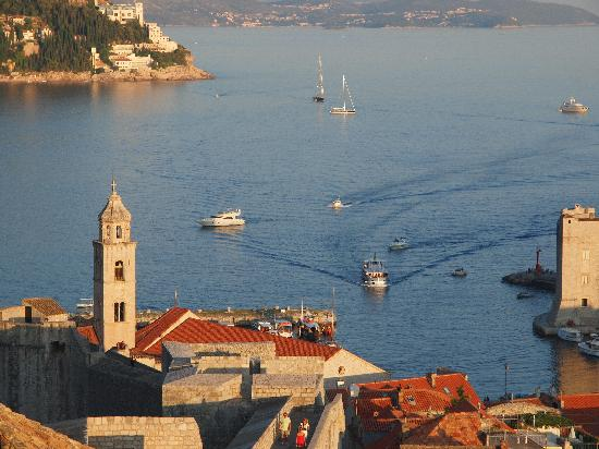 Dubrovnik, Croatia: wall walk views