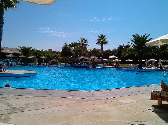 Aquila Rithymna Beach Hotel : une des  piscines (la plus grande)