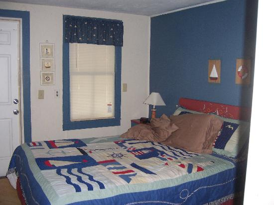 Two Rivers Inn: Cozy bedroom