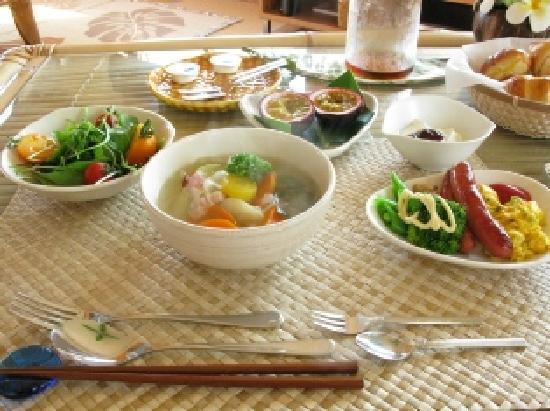 Uminoyado Urumanchu: 朝食
