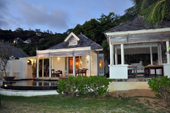 Banyan Tree Seychelles: Our Beachfront villa