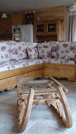 Villarodin-Bourget, ฝรั่งเศส: Chalet Normalie www.normalie.fr salon La Norma