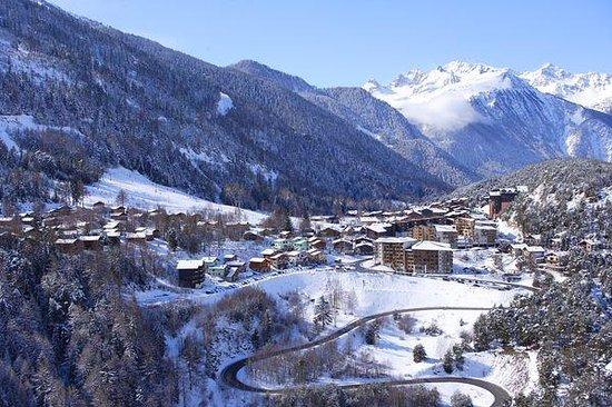 Villarodin-Bourget, France: La Norma www.normalie.fr vue aérienne hiver