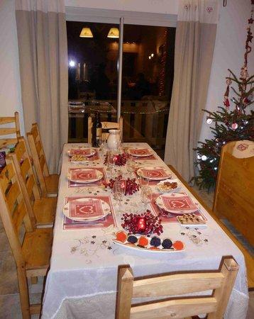 Villarodin-Bourget, ฝรั่งเศส: Chalet Normalie www.normalie.fr salle à manger La Norma