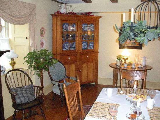 American Loyalist Peter Secord Inn c.1782 : Dinning room
