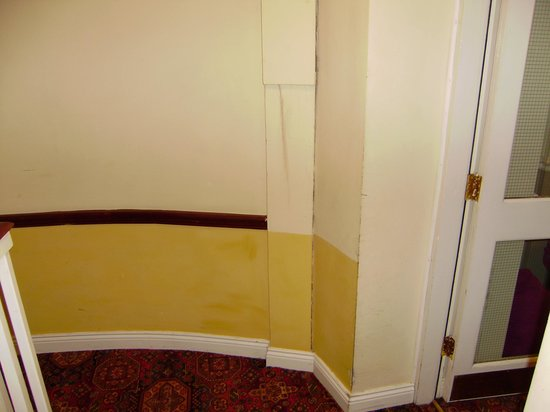 The Western Hotel: Hallway