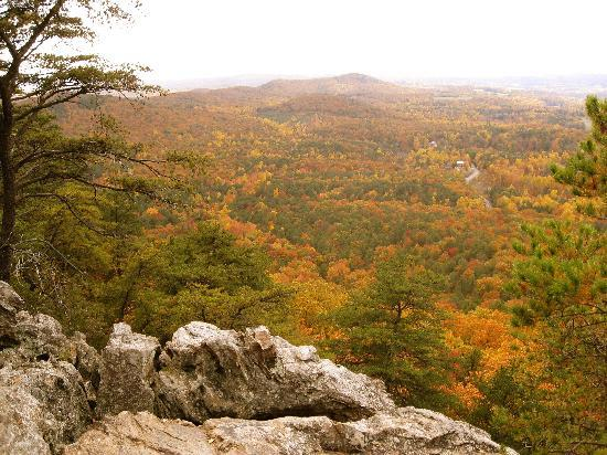 Crowders Mountain State Park: Crowders Mountain 4 mile hike view from top