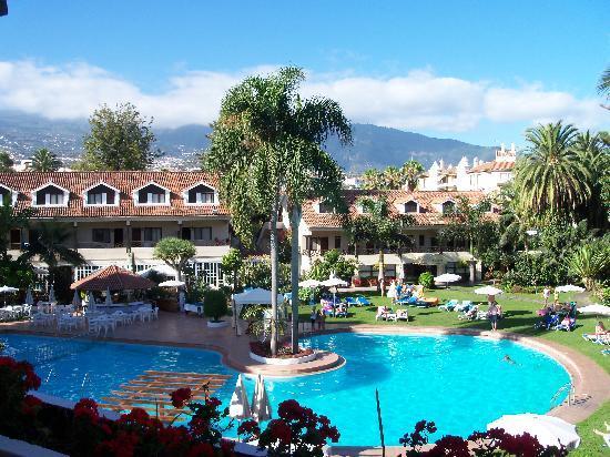 Pool side picture of parque san antonio puerto de la cruz tripadvisor - Hotel sol puerto de la cruz ...