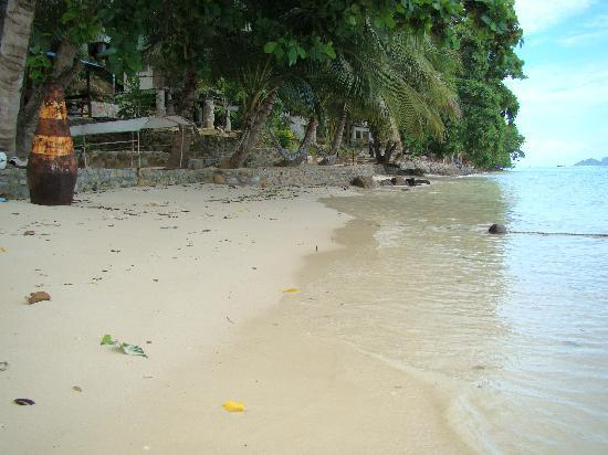 Tohko Beach Resort: Their Private beach at high tide