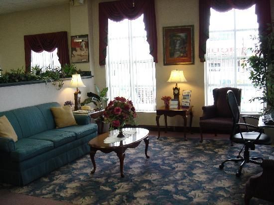 Marianna, FL: Hotel Lobby