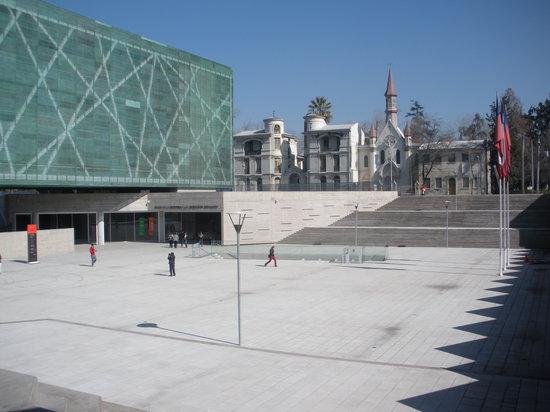 Musée de la mémoire et des droits de l'homme : plenty of exhibit space