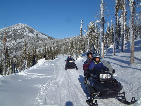Selkirk Powder Company: Snowmobiling at Selkirk Powder