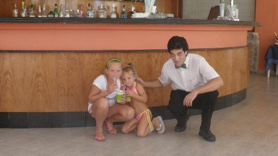 Gran Hotel Las Fuentes : Kellner mit unseren Kindern -sehr nett